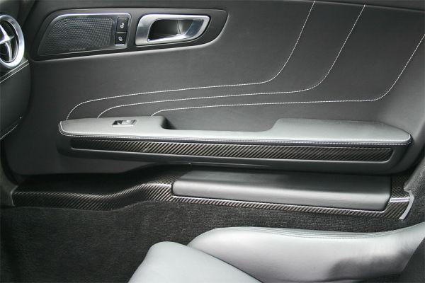 Einstiegsleisten für AMG-GT in Sichtcarbon.