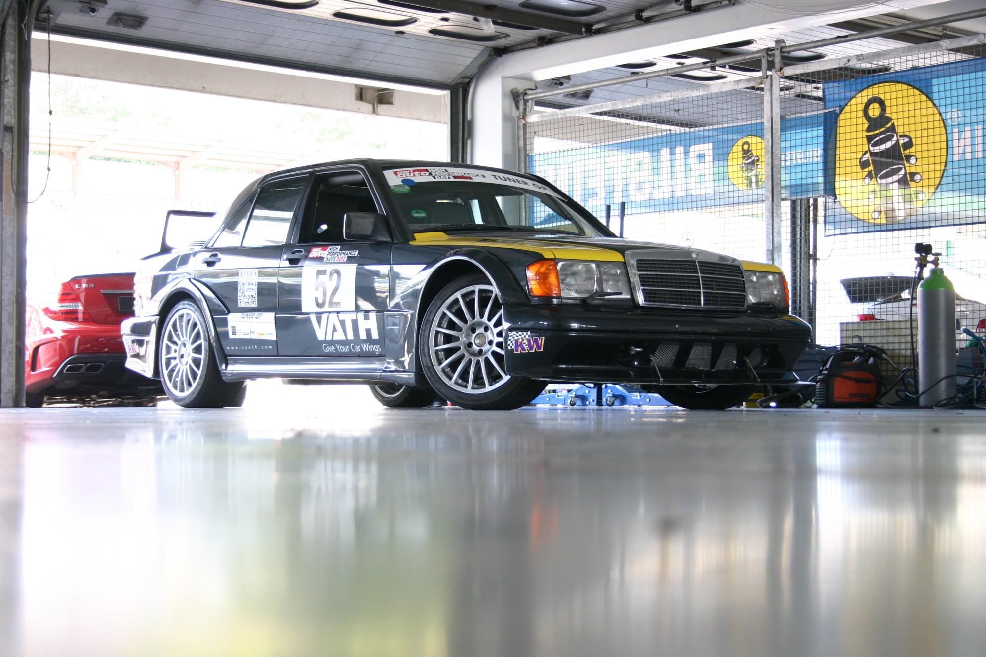 Zeitgenössisches Tuning : Mercedes 190 E EVO II - Der junge Oldtimer